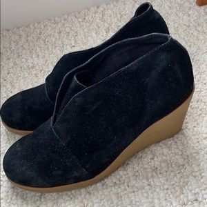 Black slip on Sperry bootie wedges